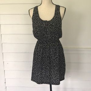 5/$20 Legend Black & White Dress M
